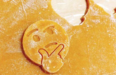 「これは欲しい!」あの人気絵文字がクッキーの型に!ネット民歓喜