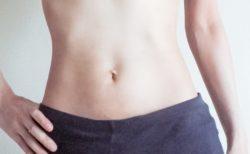 【やった人は痩せる】脂肪に直撃!くびれポイントへ効果的に大ダメージを与える簡単ストレッチが話題に
