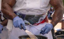 元米軍の1等軍曹… ホワイトハウスの料理人がマジで強そう!