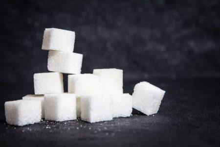 【便利】ジュースに含まれる「糖分」を視覚化するアプリがすごい。こんなに入ってるのか・・・