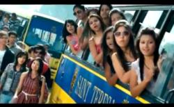 【みんなハッピー!】インドのセレブ学園にイケメンが転校してきたら全校生徒踊りまくりテンション上がりまくりで最高!