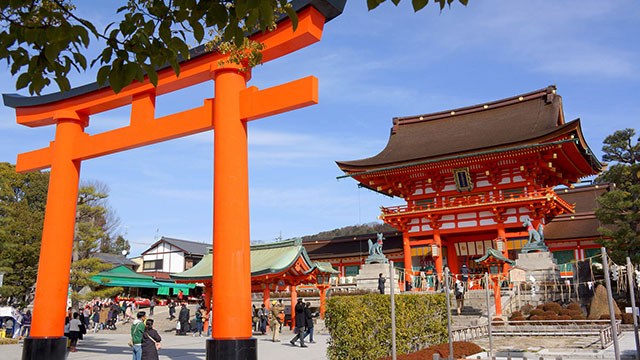 京都の伏見稲荷で聞き覚えの『ある曲』が聞こえるなと思ったら…