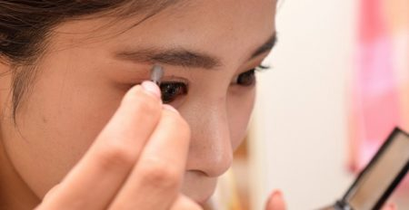 【コスメ】500円(日本製)キャンメイクのアイメイク下地が話題「アイライン、眉毛が崩れない」「目元以外にも使えて美肌維持!」