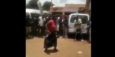 【話題】タンザニア人女性によるスーパーリフティングがヤバい!