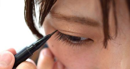 【メイク】美人には内緒にしたい「ケバくならず目が大きくみえる簡単テク」が話題