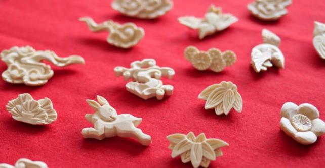 【画像】仏壇の職人さんが作る「kiboriブローチ」が可愛らしい!