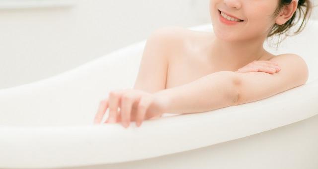 【コスパ最強】ビオレ「おうちエステ」が話題。顔に塗って湯船でのんびり→「やわやわ肌になる」「肌が生まれ変わったみたい」報告が続々