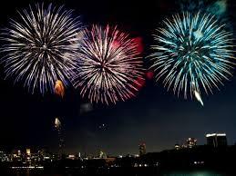 【横から見るか?】打ち上げ花火を「ドローン」で撮影してみたら、あまりにも凄すぎた!