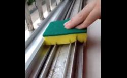 【天才】あるようでなかった「サッシ」の掃除方法。これは覚えておいて損はないぞ!