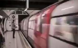 【錯覚】あなたのイメージ次第で電車の「進行方向」を変えることができます。