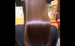 """【頭髪】1000年に1度の髪質と言われている女性の """"髪の毛"""" がやばすぎる!"""