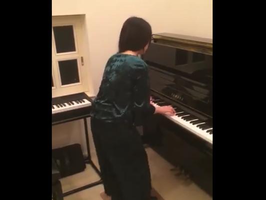 【凄い】ピアニストの妻に「タップシューズ」をプレゼントしたらこうなった!