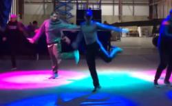 【動画】アラジン「フレンドライクミー」のダンスがキレッキレだと話題に!