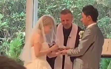 【ほっこり速報】結婚式のベールアップで間違ってお辞儀しちゃう新郎さん、かわいすぎぃぃぃ