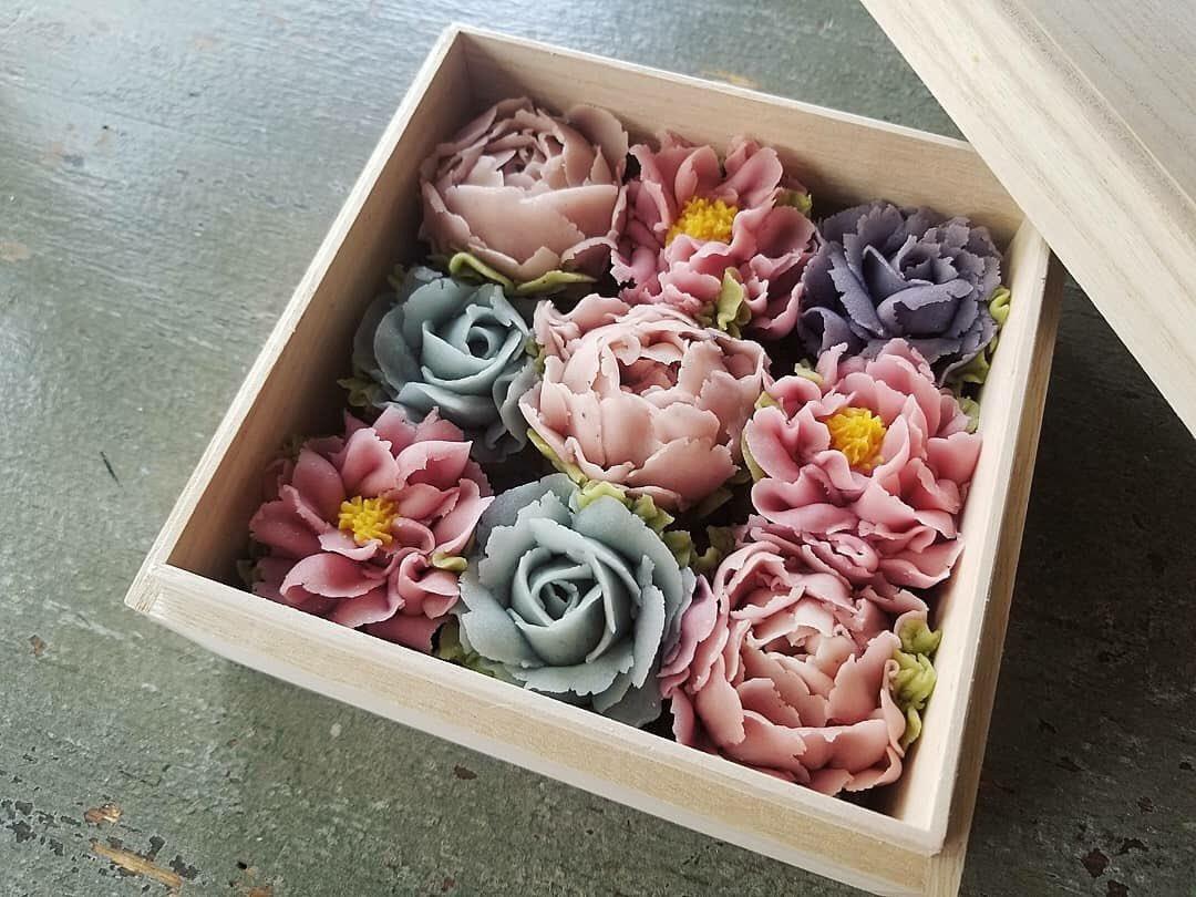 【衝撃】「花」にしか見えない! このおはぎ、美しすぎる!