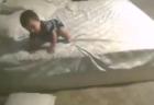 【最強】常に「リスクマネジメント」を心がける赤ちゃんが凄すぎる。天才か!