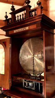 【話題】1900年ごろのオルゴール、回してみたらこんな素敵な音楽が奏でられた