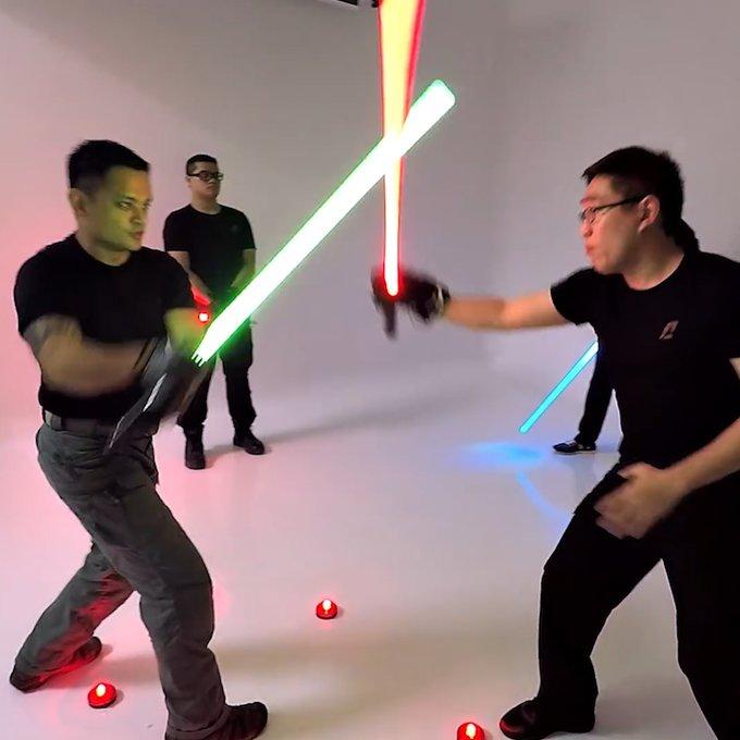 【リアルスターウォーズ】フェンシング選手による「ライトセーバー」演舞をご覧ください