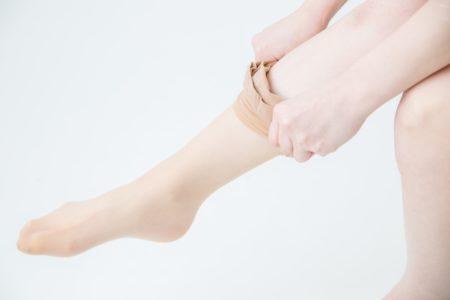 【美脚】キレイ女子に大人気、日本製にこだわる靴下屋のストッキングが話題「めちゃ自然に美白&美脚化」