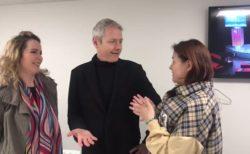 【夢の共演】JRの英語アナウンス、3人の初対面をご覧ください