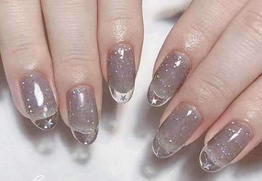 【ネイル】爪の先が透明「クリアフレンチネイル」が話題「初めて見た」「すっごくきれい!」