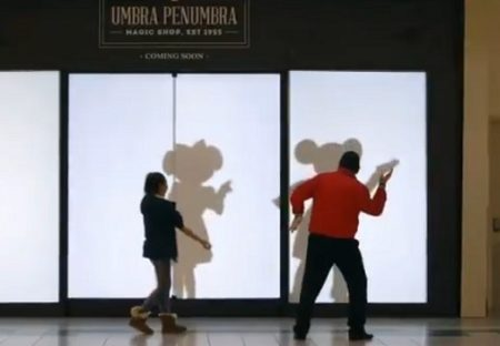 【海外】自分の影がディズニーキャラになってしまうサプライズが話題。やってみたいー!
