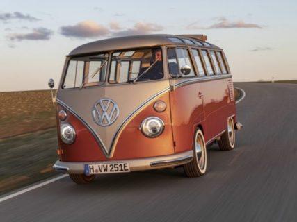【VW】ワーゲンバスが「EV車」になって蘇る。可愛すぎ!
