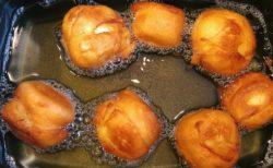 【レシピ】バナナとホットケーキミックス+揚げ油だけで完成!中で溶けた熱々バナナクリームが美味しい!