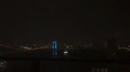 【停電】画面内の街が闇に包まれる瞬間。雷怖すぎる!
