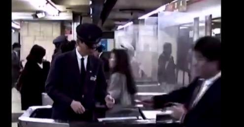 1990年の「新宿駅」Suicaが無い時代。駅員さん大変そうだな〜
