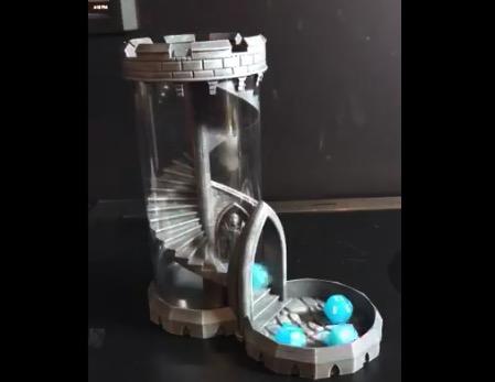 サイコロを転がすためのアイテム「ダイスタワー」がオシャレすぎる!