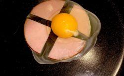 天才的「ハムエッグ」の作り方が発見される。最高!