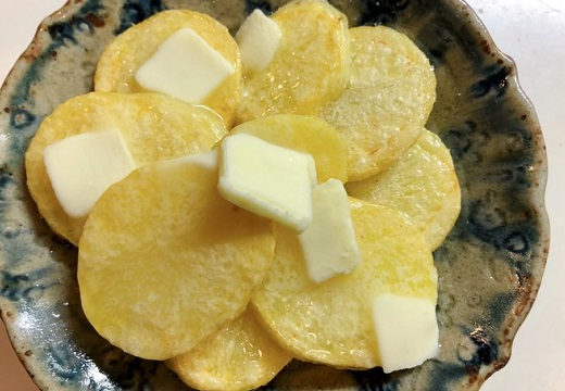 【レシピ】ジャガイモをじっくり焼くだけ!激うまレシピが話題、カレー粉や蜂蜜などのアレンジも続々!