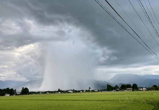 【雨柱】家に帰る途中「俺の家ゲリラってる!!!」衝撃画像が話題