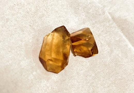 【すごい】20年放置されたイカ醤油、瓶の中で綺麗な結晶となる!
