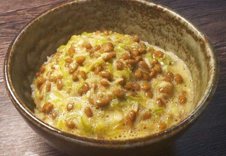 【ネギ40g】人気料理研究家さんが「納豆たまごかけご飯」調味料のベスト配合を公開!