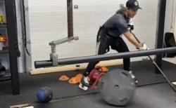 【動画】アイスホッケー選手の特訓風景がすごすぎる!