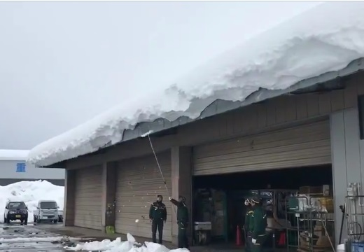 【動画】秋田県の雪がすごすぎる!!