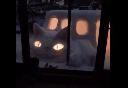 【!】トトロの猫バスそっくりのかまくらが話題に「乗ってみたい!」