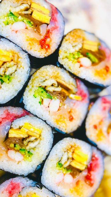 【美しい】創業50年のお寿司屋さんが本気出した『恵方巻き』 もはや芸術作品のよう