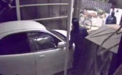【車の盗難】防犯カメラが捉えた物色し大急ぎで逃走する2人の様子、恐すぎ!!!