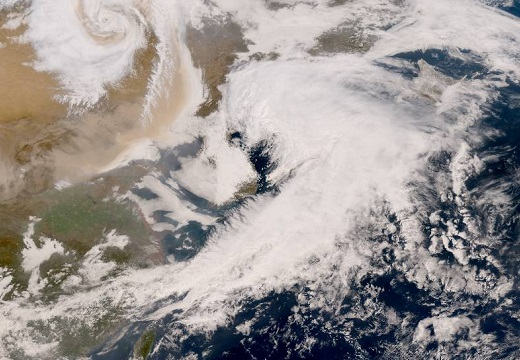 【衝撃画像】気象庁研究官「明日から全国的に多量の黄砂が飛来する見込み。警戒を」