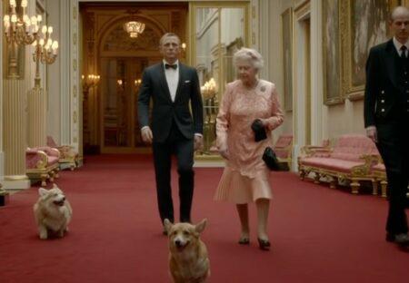 【ロンドン五輪】愛犬と共にノリノリで007と共演したエリザベス女王が話題に