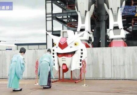 【ガンダム上頭式】最新と伝統、宗教と科学が共存する日本を象徴する写真が話題に