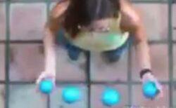 【動画】上から撮影したジャグリングの様子が話題に「かっこいい!」「浮いてる」