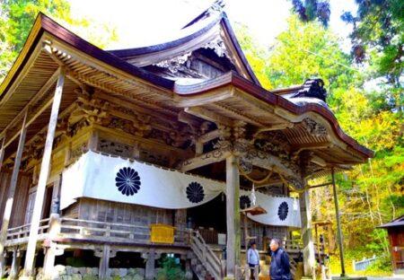 【二千年の歴史】霊山・戸隠山の麓を中心に創建された戸隠神社。参道がとにかく物凄い