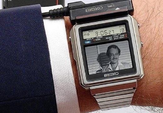 【39年前】1982年に登場したセイコーのテレビウォッチ(世界初)が話題に