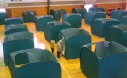【大雨】ペット同伴避難所が併設!岡山県総社市、隔離ハウスを使った避難所が話題に
