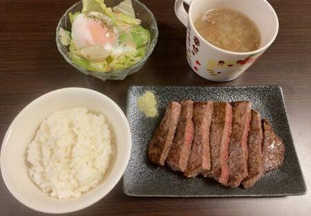 【肉】卓球金メダリスト 水谷選手が深夜に0時すぎに食べる夜食、めちゃ旨そう!!
