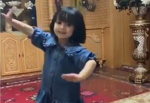 【動画】ダンスを踊るウイグルの少女。物凄くかわいい「天使!」